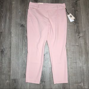 Ivanka trump pale pink trousers